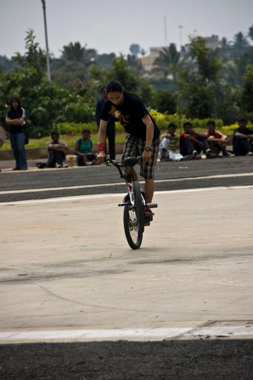 BMX does a 360